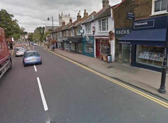 Man seriously injured and fighting for his life after crash in Chislehurst