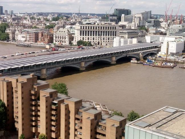 London Blackfriars. Image via commons.wikimedia.org