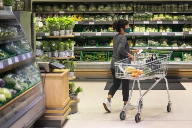 News Shopper: Supermarket shoppers are still meant to be wearing face masks in stores
