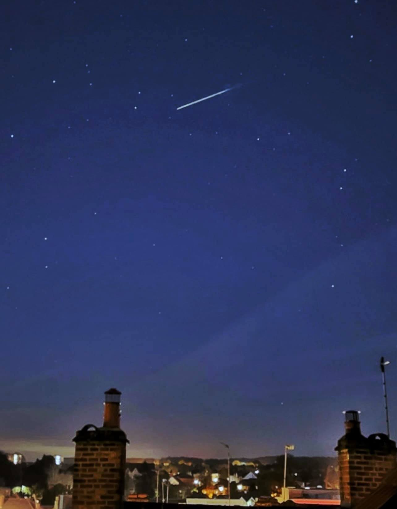 Lyrid meteors hurtling over Orpington - Stephen Sangster