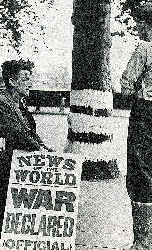 News of the World billboard: War declared (Pictures taken from Bob Ogley's Biggin On The Bump)