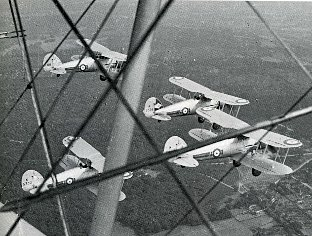 Gloster Gauntlets over Biggin Hill, 1938 doing air attack practice, air firing or interception. (Pictures taken from Bob Ogley's Biggin On The Bump)