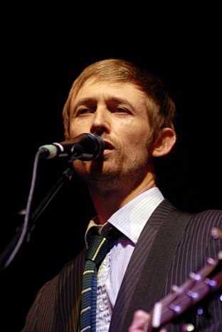 News Shopper: Neil Hannon delighted his fans at Greenwich Summer Sessions, playing all the tracks from his latest album