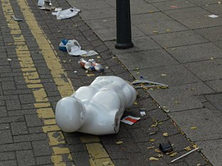 News Shopper: Woolwich Riots - mannequin in road