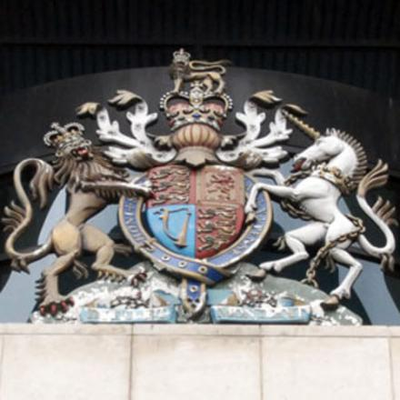 Erith man avoids jail sentence after threatening to kill girlfriend with imitation firearm
