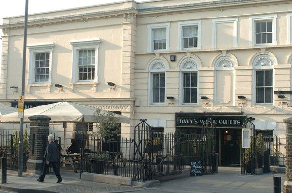 PubSpy reviews Davy's Wine Vaults, Greenwich
