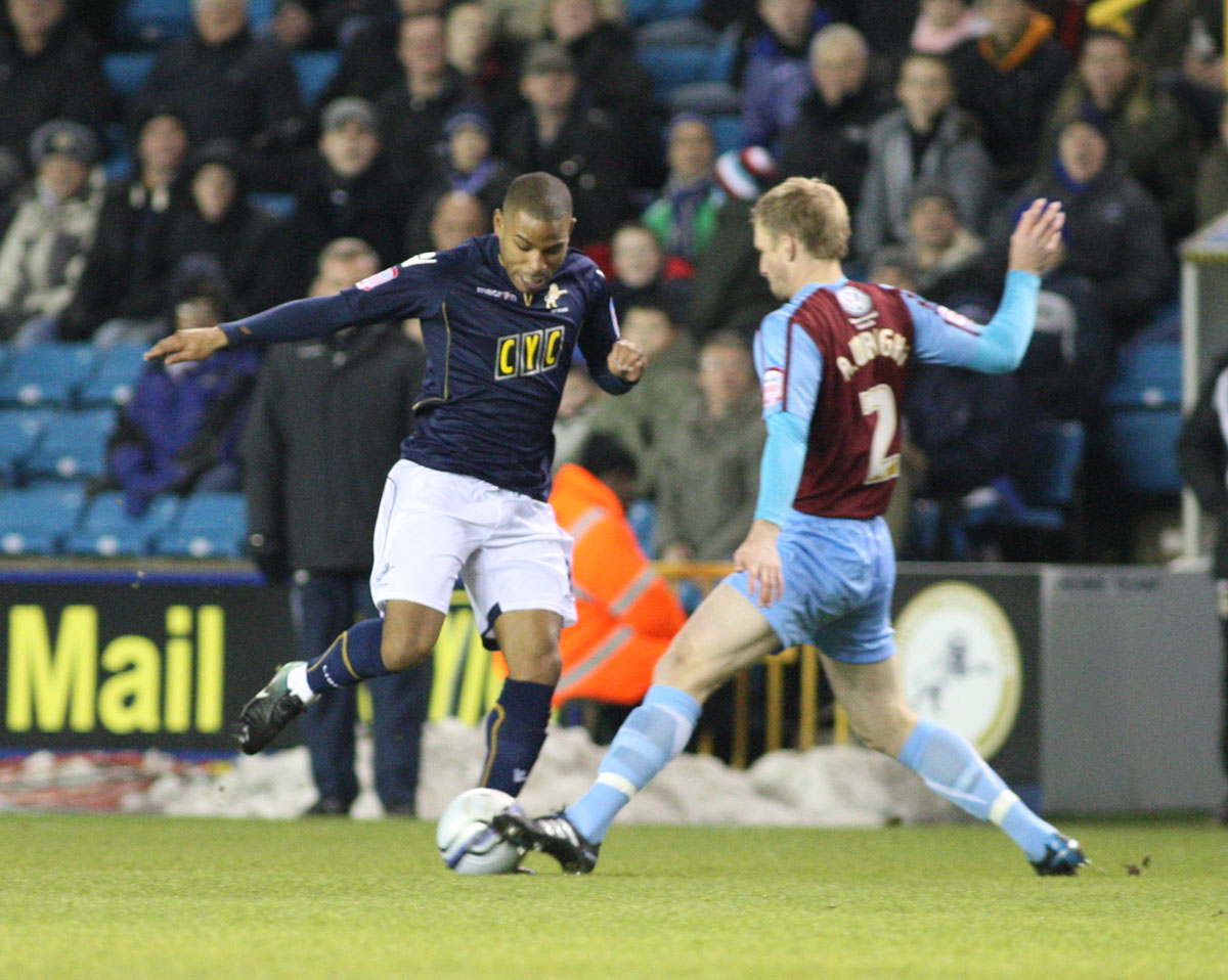 Jason Puncheon in action for Millwall during his loan spell at The Den last season. PICTURE BY EDMUND BOYDEN.