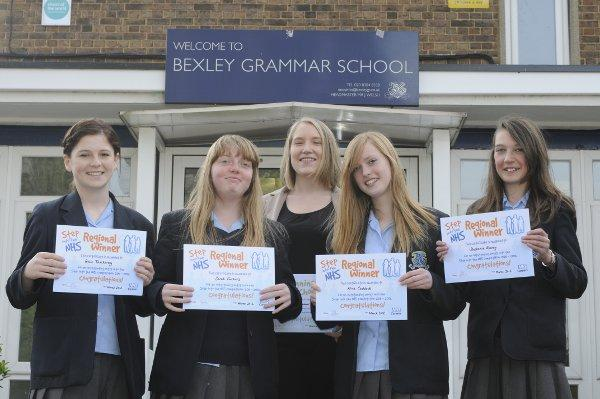 (LtoR) Rosie, Sarah, Alice and Stephanie with senior academic mentor of year nine Stephanie Brand