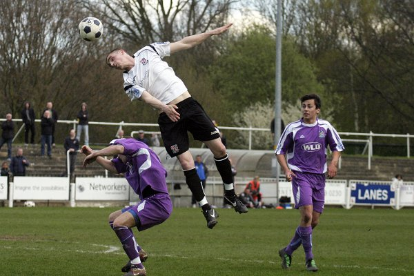 Danny Waldren wins a header