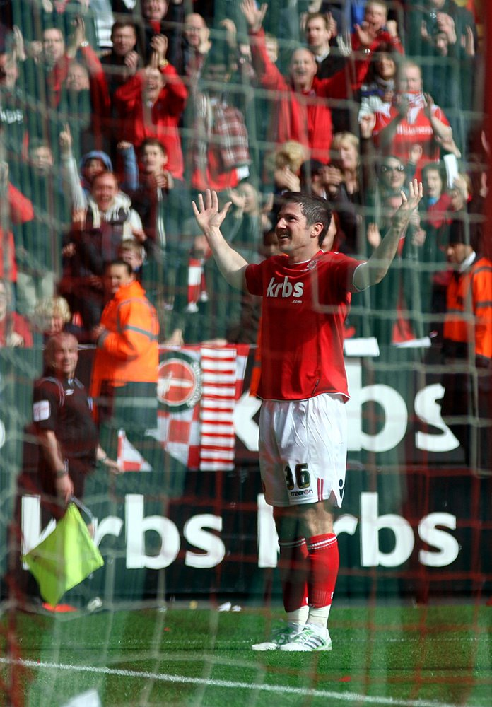 Kermorgant celebrates his stunning strike