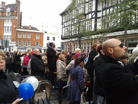 Crowds as queen arrives on Bromley high street