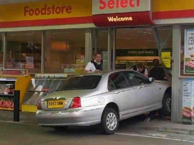 Driver crashes into petrol garage in Welling