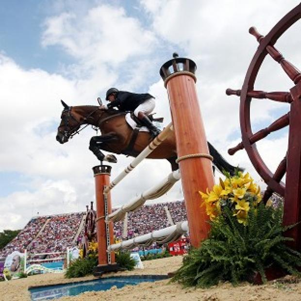 Britain out of medals in Greenwich individual showjumping