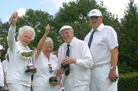 Cup winners Marjorie Wright, Joan Chinery, Alf Llewellyn and Clifford Wright