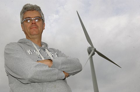 Erith homeowner shocked when 285-foot wind turbine appears near his house