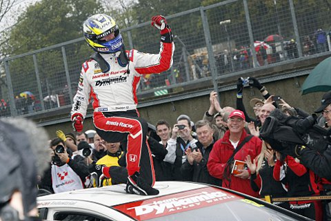 Shedden celebrates winning the BTCC title for the first time