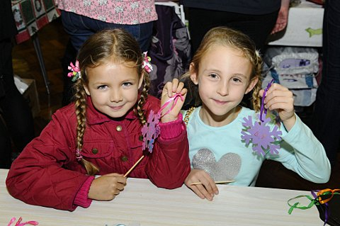 Lucy Couchman, 7 and Lily Tait, 6