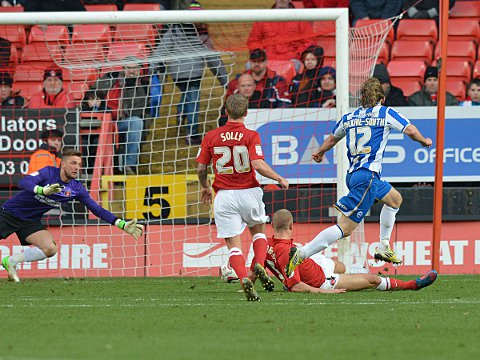 News Shopper: Craig Mackail-Smith makes it 1-1