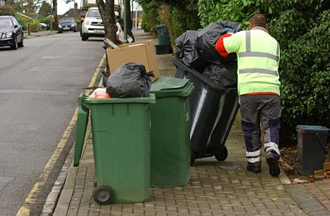 Bromley binmen strike: Veolia Environmental Services and Unite union in crunch talks