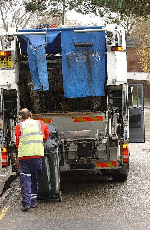News Shopper: Bromley binmen strike: Veolia Environmental Services and Unite union in crunch talks