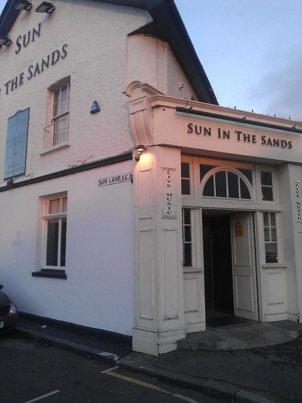 Review: Sun in the Sands, Blackheath