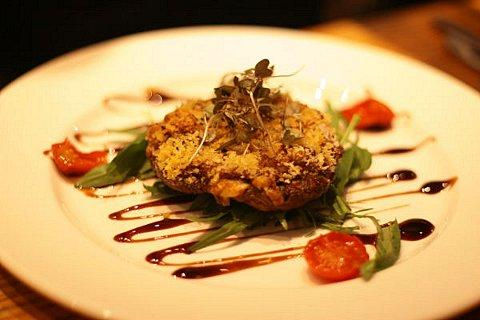 Portobello mushroom with stilton, chesnuts and breadcrumbs