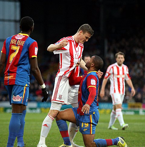Robert Huth and Jermaine Easter square up