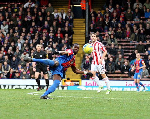 Yannick Bolasie attempts a volley