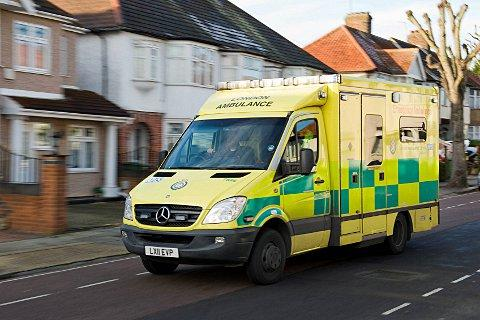 News Shopper: Man in hospital after Plumstead High Street crash