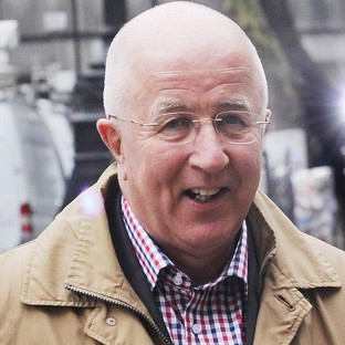 Scotland Yard has said it will reopen the investigation into former Labour MP Denis MacShane's expenses
