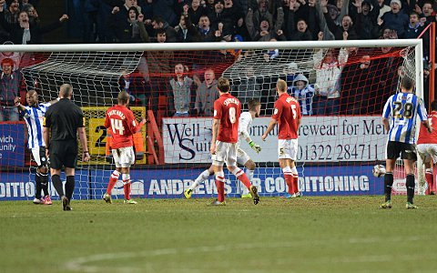 News Shopper: Ben Hamer is beaten by Reda Johnson's equaliser