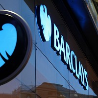 Barclays to axe at le