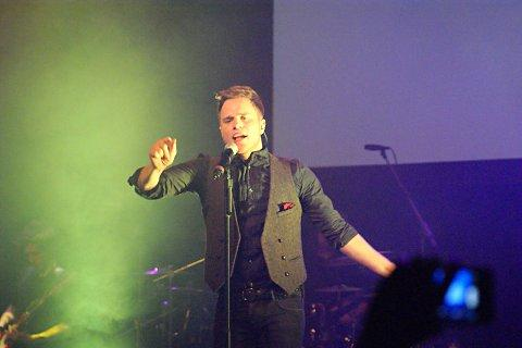Olly Murs joins Dave Berry for Charlton Athletic Community Trust at the IndigO2