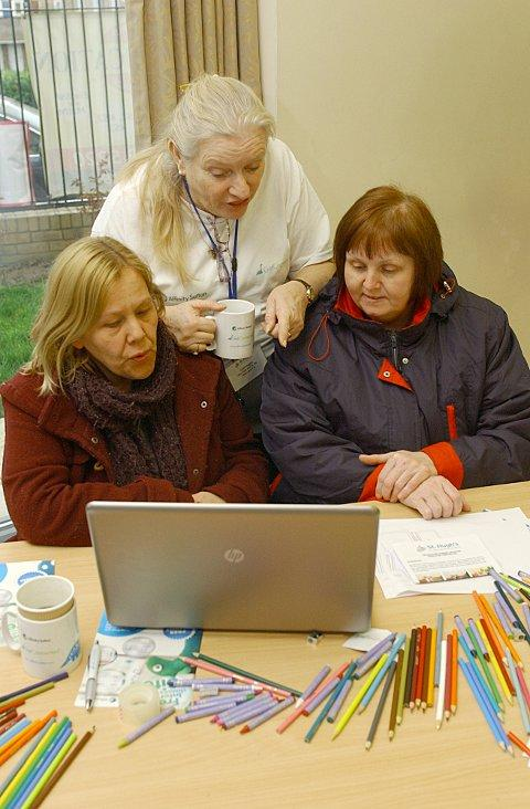 Affinity Sutton's pop up internet cafe in Anerley helps first timers get online