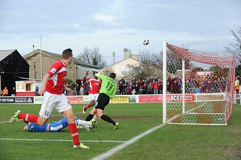 Tom Phipp (11) almost wins it for Ebbsfleet at the death.
