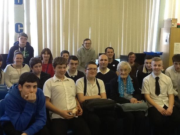 Holocaust survivor Dr Scarlett Epstein (fifth from right) with Oakwood School pupils.