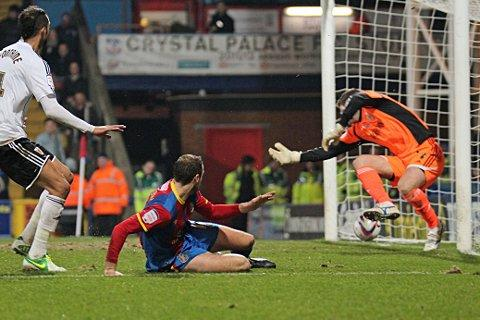 Glenn Murray fires past Bristol City keeper Tom Heaton to put Palace in front