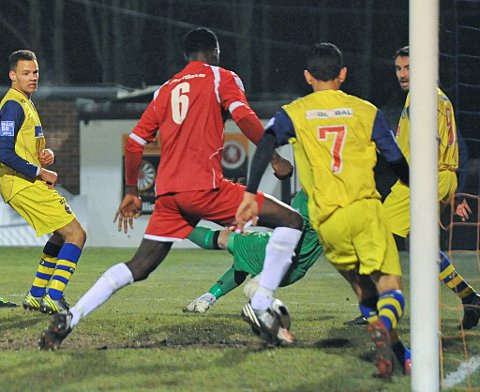 Welling victory takes them top