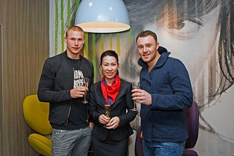 Tonina Hoang with Palace players Alex Marrow (left) and Darcy Blake (right)