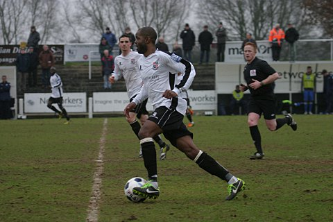 Marlon Patterson builds another attack