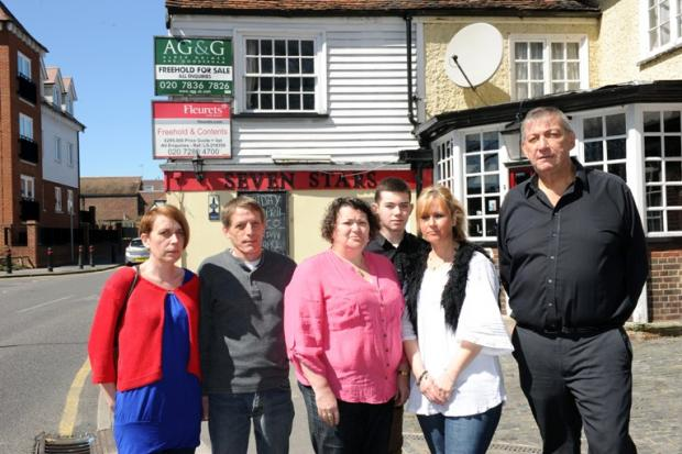 News Shopper: L-R: Michele and Bill Walton, Gill and Haydn Stokes, Shelley Wood, Michael Stokes outside the Seven Stars pub in Foots Cray