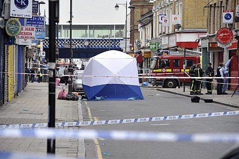 News Shopper: Police cordoned off part of Deptford High Street yesterday