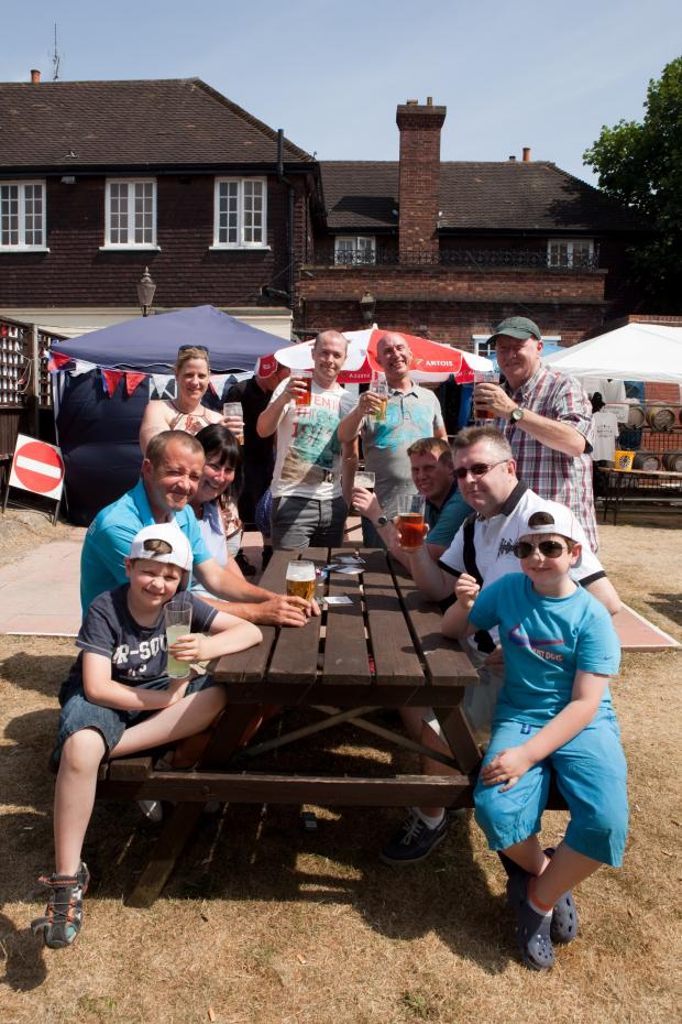 News Shopper: Group enjoy the sunshine at the Great Welling Beer Festival