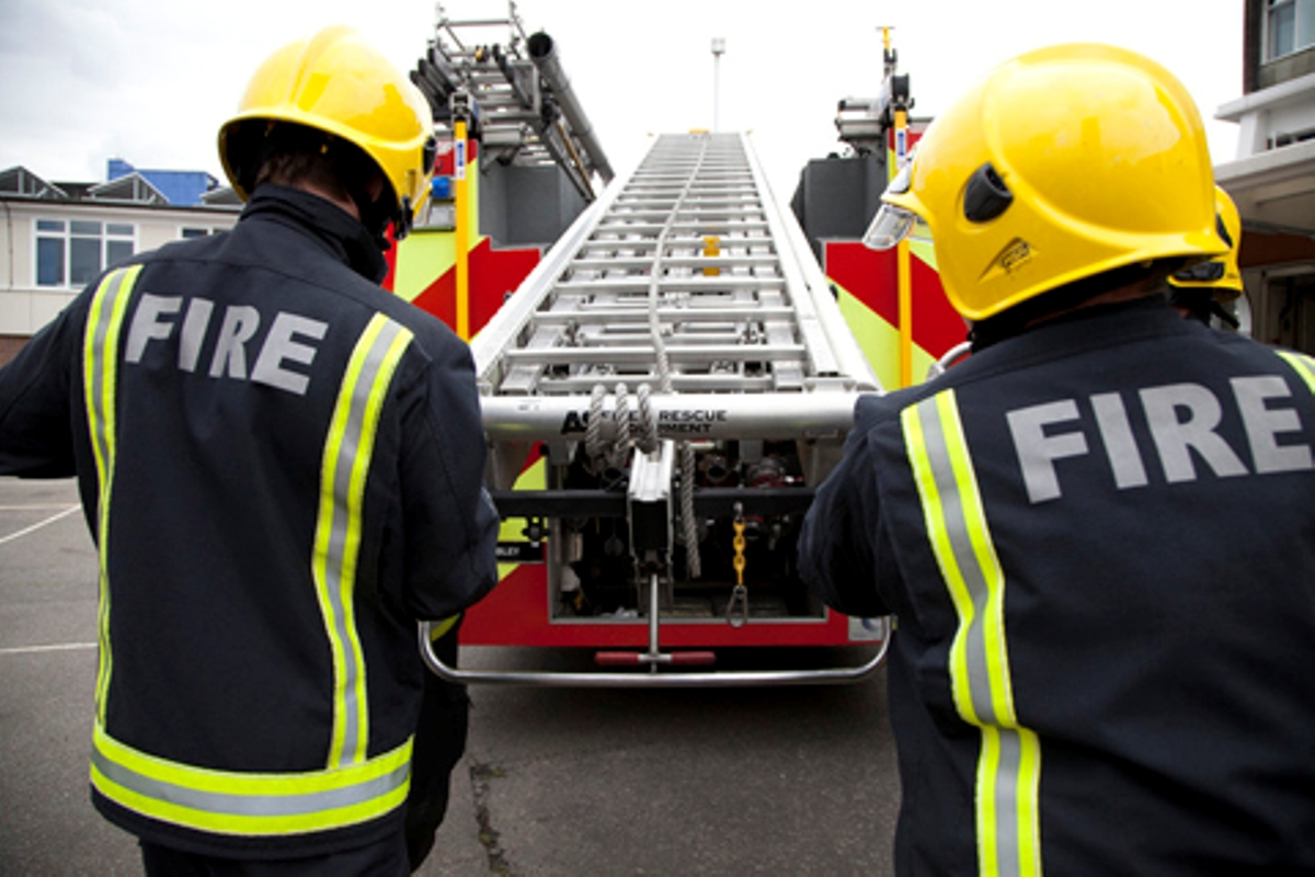 Five rescued in New Cross fire