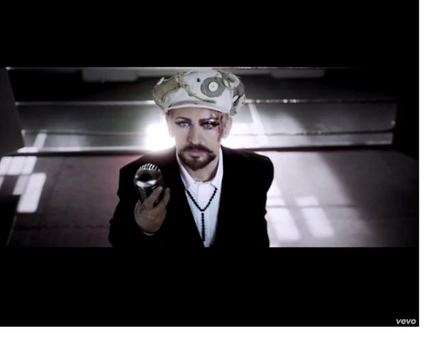VIDEO: Boy George new single filmed in Charlton church dressed up as boxing ring