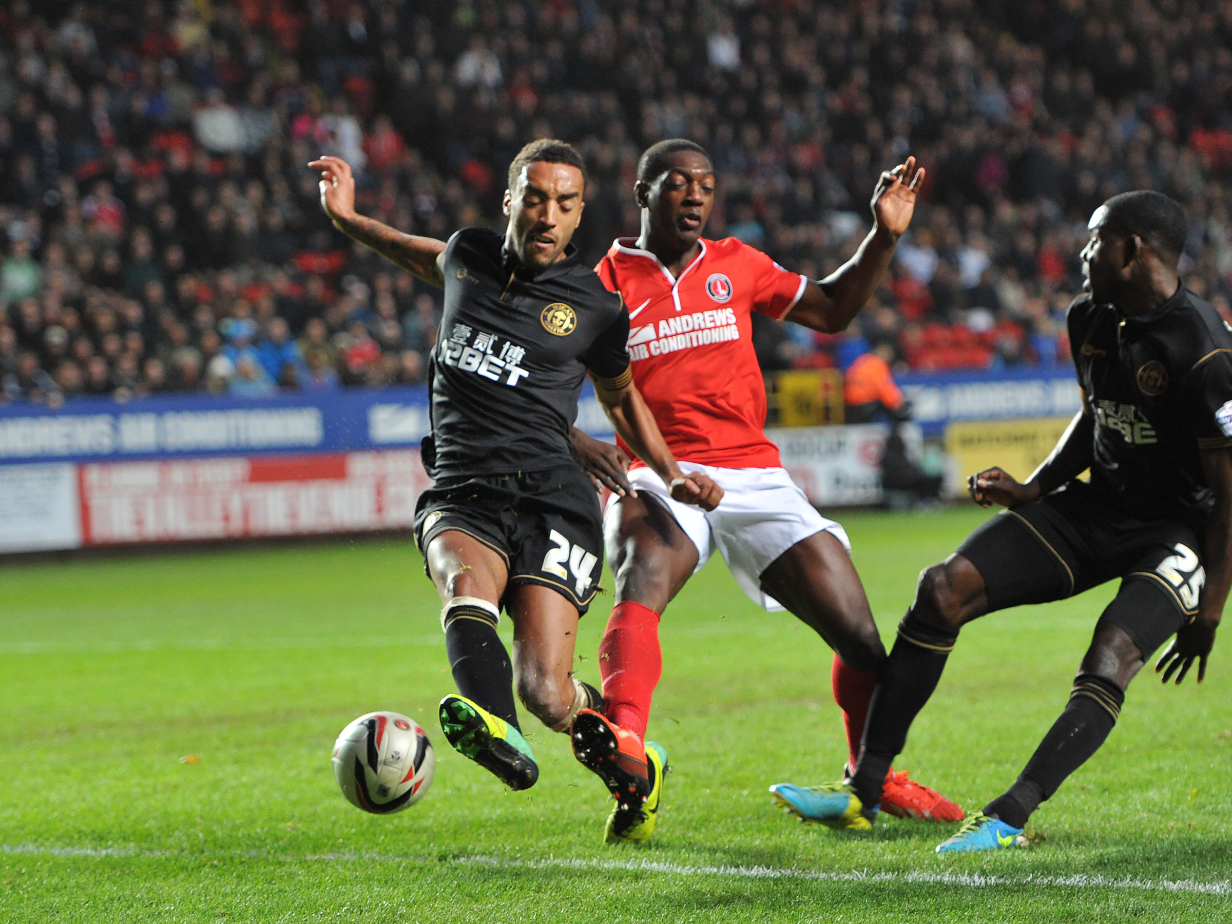 News Shopper: Marvin Sordell goes close