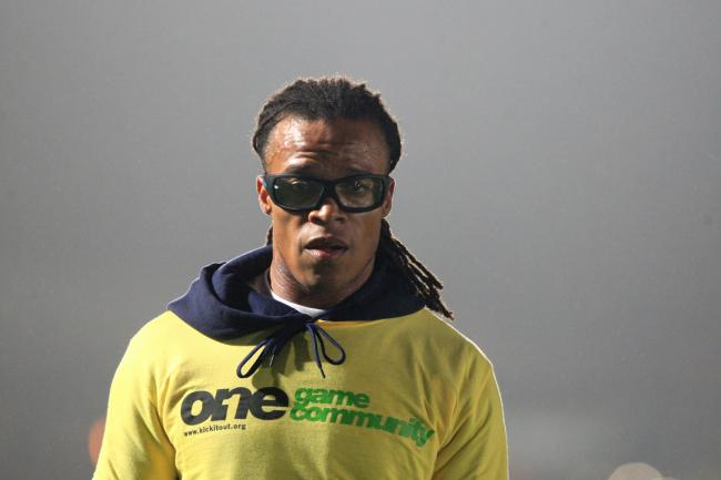 Barnet player-boss Edgar Davids was sent off but Darts couldn't capitalise