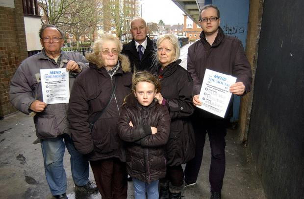 News Shopper: Conservative Cllr John Hill has collected 642 signatures for a petition to 'Mend The Mound' shopping parade, pictured with residents Victor Clark, Linda Winslow, Amber Weadock, 7, Matt Hartley, Janet Wainwright