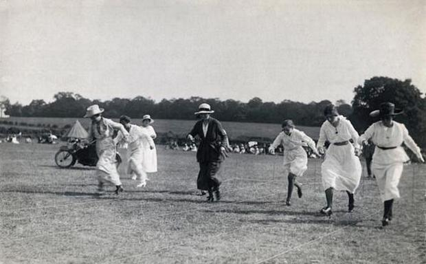 News Shopper: Vintage pictures show Bexley residents keeping fit