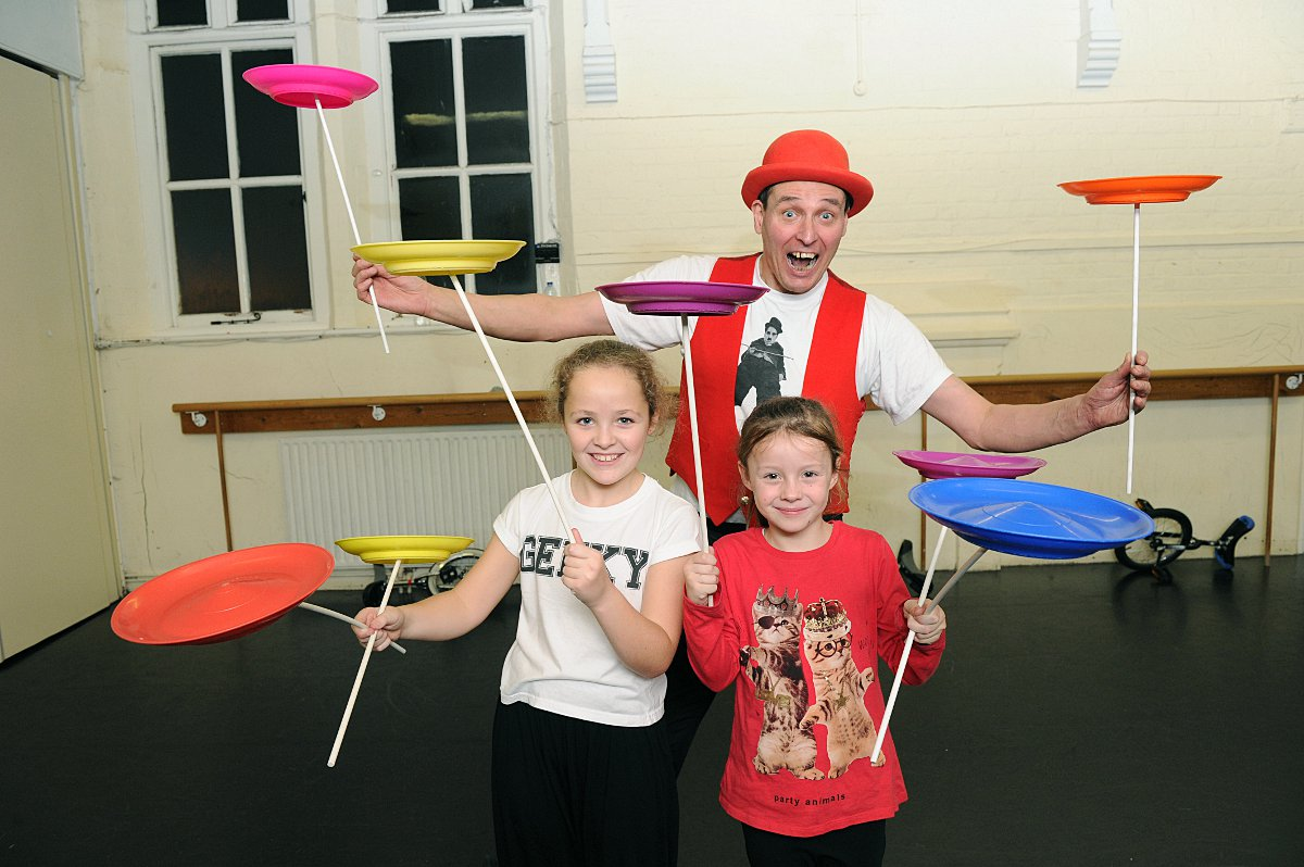 VIDEO: Youngsters get to grips with circus skills